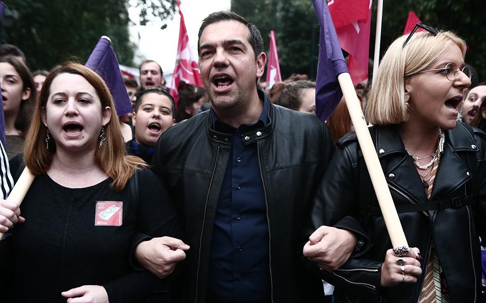 o-al-tsipras-stin-poreia-toy-polytechneioy-fotografies0