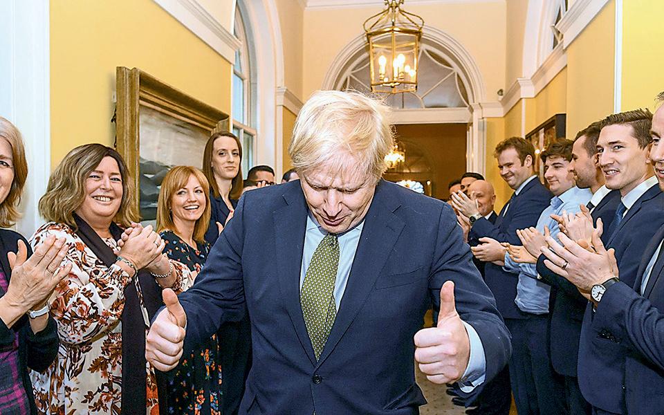 olotachos-pros-to-brexit-o-tzonson-meta-ti-niki0