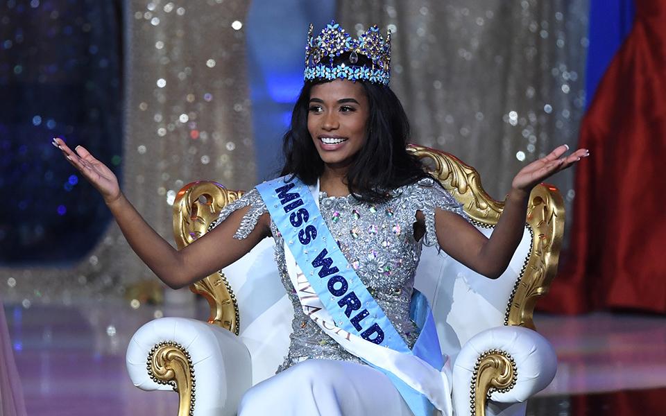 apo-tin-tzamaika-i-miss-world-2019-vinteo-fotografies1