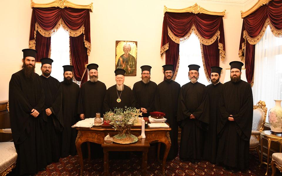 kathigites-kai-mathites-apo-to-epal-grevenon-dechthike-o-oikoymenikos-patriarchis0