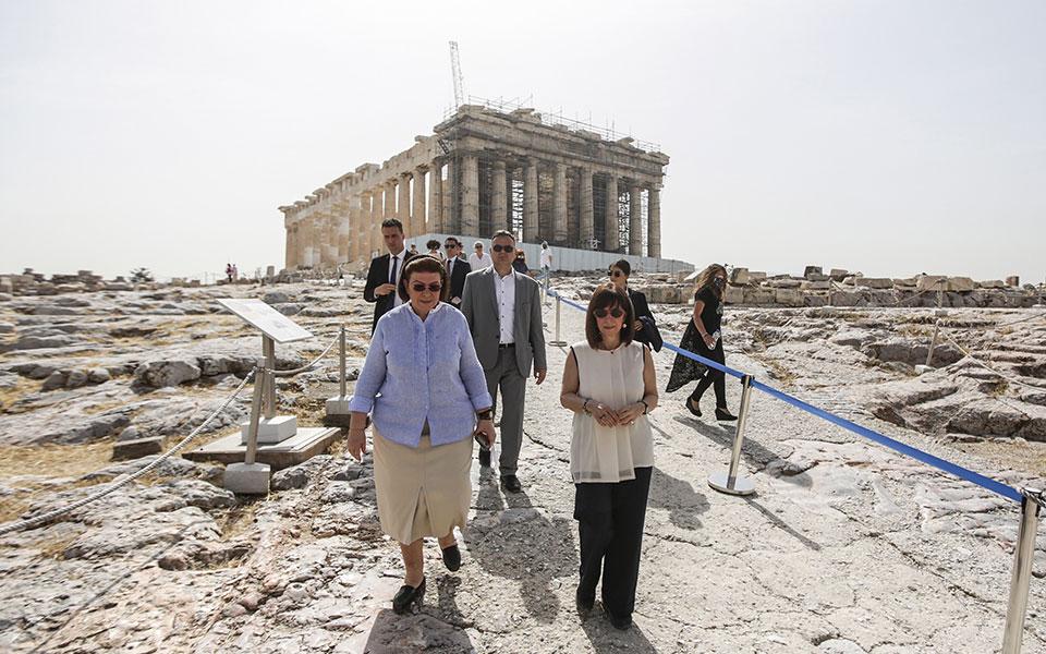 i-k-sakellaropoyloy-sto-anoigma-tis-akropolis1