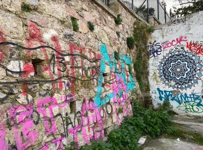 epicheirisi-antigkrafiti-sta-anafiotika-fotografies1