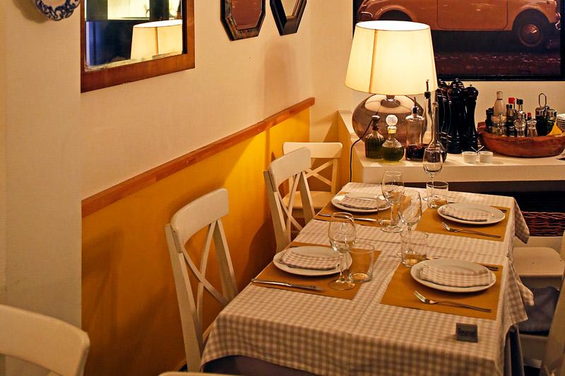 la-piazzetta-amp-8211-mia-sosti-tratoria1