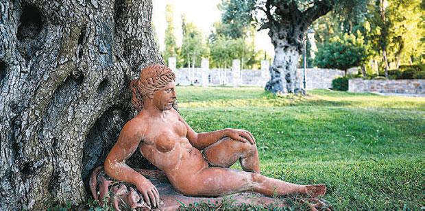 o-diachronikos-mythos-tis-dytikis-ochthis2