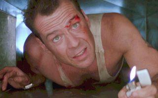 Ο Μπρους Γουίλις σε κάποιο «Die Hard» πολεμάει τους τρομοκράτες. Στα ψέματα ή στ' αλήθεια;