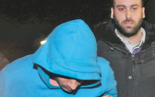 Οι απαγωγείς του Μανώλη Καραμολέγκου οδηγήθηκαν χθες στον εισαγγελέα.