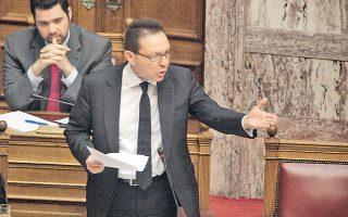 «Συνεχίζετε να καταστροφολογείτε και δεν προτείνετε τίποτα», τόνισε ο υπουργός Οικονομικών Γ. Στουρνάρας, απευθυνόμενος στον Αλ. Τσίπρα.