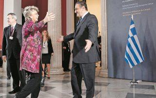 Η επίτροπος Βίβιαν Ρέντινγκ ήταν για χρόνια παντρεμένη με συμπατριώτη μας, οπότε είναι σε θέση να εκτιμήσει την ελληνική λεβεντιά του υπουργού Δικαιοσύνης...