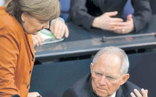 Οικονομική ένωση ευαγγελίζεται η καγκελάριος, Κοινοβούλιο της Ευρωζώνης ο υπουργός Οικονομικών.