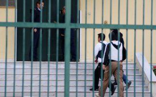 Ο βουλευτής Κορίνθου της Χ.Α. Στάθης Μπούκουρας χθες το μεσημέρι μεταφέρθηκε στις φυλακές Ναυπλίου. Τις παλαιότερες εμπρηστικές δηλώσεις του απέδωσε στην προσπάθειά του να γίνει αρεστός στους πολίτες της Κορίνθου.