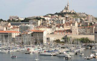 Αποψη του κόλπου της Μασσαλίας, πρωτεύουσας του γαλλικού Νότου και μκεγαλύτερου λιμανιού της Μεσογείου.