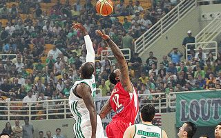 Ο Παναθηναϊκός υποδέχεται τον Ολυμπιακό, με τη νίκη να αποτελεί μονόδρομο.