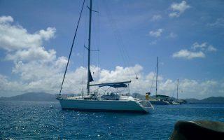 Για την ενοικίαση ενός σκάφους για μία εβδομάδα το κόστος ξεκινάει από τα 1.500 ευρώ, το οποίο μπορεί να επιμερισθεί σε 4 ζευγάρια που θα κάνουν μαζί τις διακοπές τους.