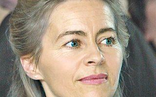 Η Ούρσουλα φον ντερ Λάιεν δημιουργεί ένα ακόμη πρόβλημα στον συνασπισμό της Μέρκελ.