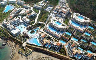 Η Carlson Rezidor Group, μία από τις μεγαλύτερες και πιο δυναμικές αλυσίδες ξενοδοχείων στον κόσμο, υπέγραψε σύμβαση franchise με τους ιδιοκτήτες της μονάδας Minos Beach Resort and Spa -που βρίσκεται στην περιοχή Μίλατος στο Λασίθι- η οποία από το δεύτερο τρίμηνο του 2016 θα λειτουργήσει με την επωνυμία Radisson Blu Beach Resort.