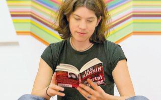 Κόρη αναγνωστών; Το οικογενειακό περιβάλλον παίζει καθοριστικό ρόλο στην αγάπη για τα βιβλία.