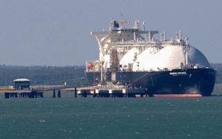 Το υπουργείο Ενέργειας των ΗΠΑ έχει αποδεσμεύσει 6 φορτία LNG για την άμεση μεταφορά τους στην Ευρώπη σε περίπτωση που χρειαστεί, και προβλέπεται ότι θα είναι σε θέση το 2016 να διατεθούν στην Ευρώπη οι πρώτες εξαγωγές LNG.