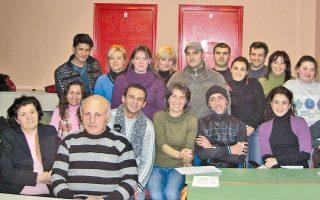 Τμήματα του κοινωνικού σχολείου «Ο Οδυσσέας», που λειτουργεί από το 2000. Μέχρι σήμερα έχουν φοιτήσει περίπου 5.000 άτομα.