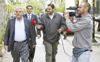 Η δικαίωση άργησε αλλά ήρθε πανηγυρικά με την ετυμηγορία της Θέμιδος. Η φωτογραφία είναι από το 2008, όταν ο τότε προπονητής της εθνικής ομάδας άρσης βαρών Χρ. Ιακώβου (αριστερά), αθλητές και παράγοντες, βρέθηκαν στη δίνη της «υπόθεσης ντόπινγκ». Λάθος των Κινέζων, απεφάνθη η ελληνική Δικαιοσύνη.