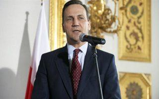 Ο Πολωνός υπουργός Εξωτερικών Ράντοσλαβ Σικόρσκι επιστρέφει εσπευσμένα από την Τεχεράνη.