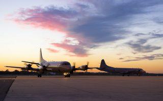 Αεροσκάφη φτάνουν στη βάση Πιρς στη Δυτική Αυστραλία για να συμμετάσχουν στις έρευνες.