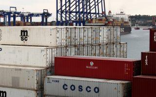 Η Cosco Pacific «έχει κάνει σημαία των διεθνών δραστηριοτήτων της τη θυγατρική της στην Ελλάδα και δύσκολα θα αφήσει το λιμάνι στα χέρια οιουδήποτε τρίτου», εκτιμούν πολλοί.