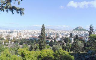 Η διαχείριση του πρασίνου της Αθήνας θα πρέπει να εμβαπτιστεί σε μια νέα προσέγγιση που να αντλεί έμπνευση από τον Δημήτρη Πικιώνη και τους αρχιτέκτονες της δεκαετίας του 1960 μέσα από νέο πρίσμα.