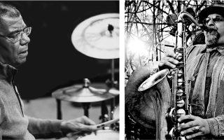 Δύο από τα τέσσερα μέλη του Spring Quartet: ο Τζακ Ντε Τζονέτ (αριστερά, στα ντραμς) και ο σαξοφωνίστας Τζο Λοβάνο.