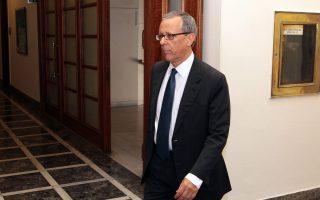 Ο πρώην γενικός γραμματέας της κυβέρνησης, Τάκης Μπαλτάκος, δεν έκρυβε την επιθυμία του να παρευρίσκεται σε κάθε είδους στρατιωτικές τελετές και εγκαίνια και να κόβει κορδέλες υπό τον ήχο εμβατηρίων.