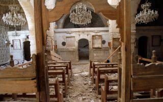 Ερείπια άφησαν πίσω τους οι αντάρτες, που εγκατέλειψαν χθες τον χριστιανικό οικισμό της Μαλούλα, στα σύνορα Συρίας και Λιβάνου. Ο κατεστραμμένος ελληνορθόδοξος ναός της Αγίας Θέκλας, στο ομώνυμο γυναικείο μοναστήρι του χωριού, έδωσε την ευκαιρία στον στρατό του καθεστώτος Ασαντ να εμφανίσει τους αντικαθεστωτικούς αντάρτες ως σουνίτες εξτρεμιστές, προσκείμενους στην Αλ Κάιντα και τα σχέδιά της για σουνιτική κυριαρχία στη Συρία. Οι μοναχές της Αγίας Θέκλας είχαν απαχθεί τον Δεκέμβριο από τους αντάρτες, προτού απελευθερωθούν τον Μάρτιο.