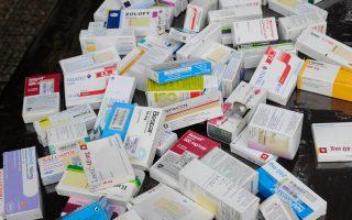 Πρόγραμμα δωρεάν φαρμακευτικής περίθαλψης για τους ανασφάλιστους πολίτες επεξεργάζεται η κυβέρνηση. Στόχος είναι έως τον Ιούνιο να έχει ανακοινωθεί σχέδιο για τη δωρεάν πρόσβαση σε βασικά φάρμακα των ανασφάλιστων στη χώρα μας, οι οποίοι εκτιμάται ότι κυμαίνονται μεταξύ 1.900.000 και 2.400.000 πολιτών.
