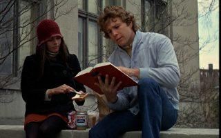 Αλι Μακγκρό και Ράιαν Ο' Νιλ στη θρυλική ταινία του 1970, «Love Story». Αν δεν ήταν η λογοτεχνική ατζέντισσα Λόις Ουάλας, ίσως η ταινία να μην είχε γυριστεί ποτέ.