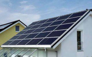 vari-gia-toys-katanalotes-apo-to-mikrotero-koyrema-stis-times-fotovoltaikon0