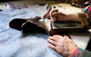 Στις αρχές του 20ού αιώνα, τα βυρσοδεψεία της Χάρμαινας στην Αμφισσα απασχολούσαν 150 οικογένειες. (Φωτογραφία: Κλαίρη Μουσταφέλλου)