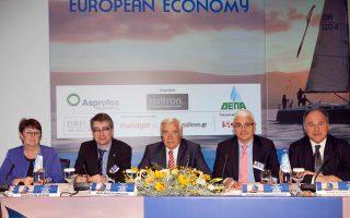 Από αριστερά: Ανίκα Ελίας, πρόεδρος δ.σ. CEC European Managers, Κριστόφ Λεφέβρ, μέλος δ.σ. της γαλλικής CFE-CGC, Γιάννης Αναστασόπουλος, σύμβουλος διοίκησης ΕΑΣΕ, Μάρκος Φραγκουλόπουλος, πρόεδρος ΕΙΜ ΕΕΔΕ και Ράινερ Σούλτις, The Conference Board.