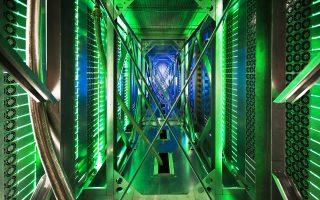 Τι είναι το «Ιντερνετ των πραγμάτων»; Αν όλες οι μηχανές έχουν τσιπάκια, θα μπορούσαν κατά κάποιο τρόπο να «κοινωνικοποιηθούν» με το να συνδεθούν στο Ιντερνετ (φωτ. από το κέντρο δεδομένων της Google στην Οκλαχόμα).