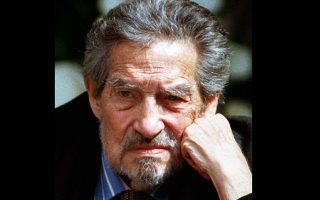 Ο Οκτάβιο Λοσάνο Πας (1914-1998), υπήρξε ποιητής, συγγραφέας και διπλωμάτης, κάτοχος Βραβείου Νόμπελ Λογοτεχνίας. Θεωρείται από τους μεγαλύτερους συγγραφείς του 20ου αιώνα και τους μεγαλύτερους ισπανόφωνους ποιητές όλων των εποχών.