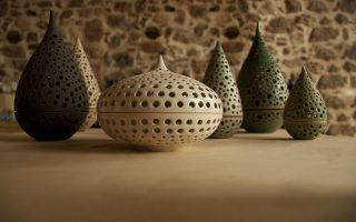 Κεραμικά από το εργαστήριο της κ. Πολυτίμης στο Ναύπλιο.