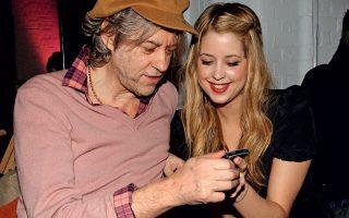 Η Peaches με τον πατέρα της, το 2009.
