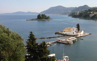 Το «νησί των Φαιάκων», ένας από τους ελκυστικότερους προορισμούς της ελληνικής αγοράς ακινήτων για τους ξένους αγοραστές και ιδίως τους συνταξιούχους της Βόρειας Ευρώπης.