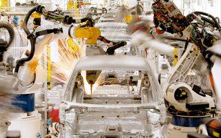 Πολλοί οικονομολόγοι αρχίζουν να λαμβάνουν πολύ σοβαρά υπόψη τους την απειλή που αποτελούν τα ρομπότ για την απασχόληση.