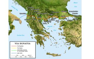 taxideyontas-sti-voreia-ellada-me-amp-8220-charti-amp-8221-ena-exypno-kinito0