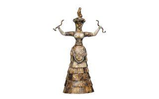 Αγαλματίδιο της θεάς των όφεων από τη Συλλογή Μινωικών Αρχαιοτήτων.