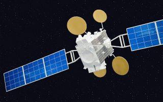 Η HellasSat προτίθεται να θέσει σε τροχιά γύρω από τη Γη μέχρι το 2017 δύο νέους δορυφόρους. Το κόστος εκτιμάται σε περισσότερο από 450 εκατ. δολ. και στόχος είναι, αφενός μεν η διασφάλιση της δορυφορικής θέσης της χώρας μας στο Διάστημα, αφετέρου η ενίσχυση των δραστηριοτήτων της HellasSat σε Ευρώπη, Μ. Ανατολή και Αφρική.