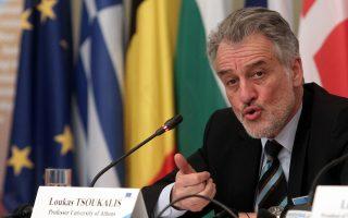 Ο Λουκάς Τσούκαλης, καθηγητής Ευρωπαϊκής Ολοκλήρωσης στο Πανεπιστήμιο Αθηνών και πρόεδρος του Ελληνικού Ιδρύματος Ευρωπαϊκής και Εξωτερικής Πολιτικής (ΕΛΙΑΜΕΠ), συγγραφέας του βιβλίου «Η δυστυχής Ενωση. Η Ευρώπη χρειάζεται μια νέα μεγάλη συμφωνία».