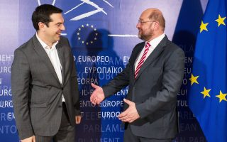 Ο κ. Αλ. Τσίπρας χθες στις Βρυξέλλες συναντήθηκε με τον συνυποψήφιό του για την προεδρία της Ευρωπαϊκής Επιτροπής Μάρτιν Σουλτς.