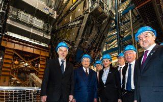 Από την επίσκεψη του Προέδρου της Δημοκρατίας, Κάρολου Παπούλια, στις εγκαταστάσεις του Ευρωπαϊκού Οργανισμού Πυρηνικών Ερευνών (CERN).