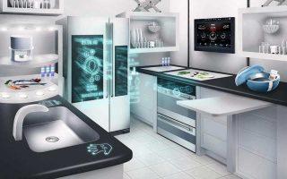 Ο όρος «Ιντερνετ των Πραγμάτων» χρησιμοποιήθηκε το 1999 από τον Βρετανό πρωτοπόρο της τεχνολογίας Κέβιν Αστον, ο οποίος και νοηματοδότησε το πεδίο αναφοράς του. Ηταν ο πρώτος που εφάρμοσε τη χρήση ασύρματων μικροτσίπ (RFID chip) στη βιομηχανία όπου εργαζόταν, την Procter & Gamble. Το 2011, πάνω από 6,3 δισ. δολ. επενδύθηκαν σε αυτήν την τεχνολογία, ενώ εκτιμάται πως η βιομηχανία των ασύρματων μικροτσίπ θα ξεπεράσει σε τζίρο τα 20 δισ. δολ., το 2014.