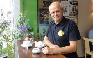 Ο ιδιοκτήτης του ωραίου μπιστρό της οδού Αλέξανδρου Σούτσου, Σάκης Παπαθεοδώρου.