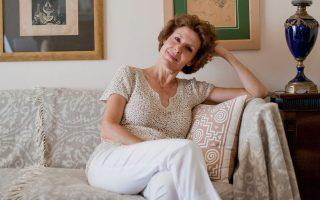 «Εάν ζούσε η μητέρα μου, ακόμα και εκείνη, δεν θα με απέτρεπε από την κυκλοφορία αυτού του βιβλίου» εξομολογείται η φιλόλογος και συγγραφέας Αννίτα Παναρέτου. (Φωτ.: Ελισάβετ Μωράκη)
